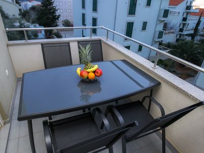 Photo for Apartment with Balcony and Partial Sea View