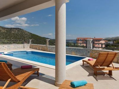 Photo for Holiday house with pool and jacuzzi, 2 bathrooms,4 bedrooms,250m from beach