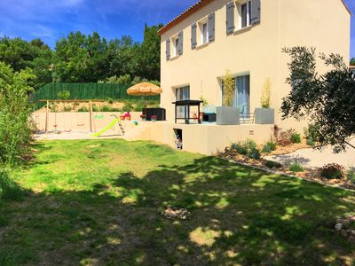 Photo for Pleasant family house with pool on the heights of Caumont sur Durance