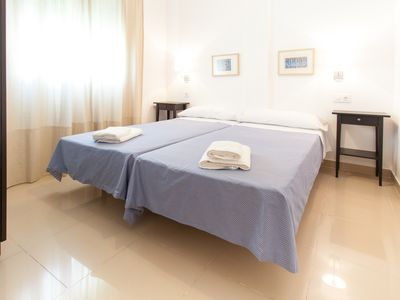 Photo for Laraña Terrace 4 apartment in Casco Antiguo with WiFi, air conditioning & lift.