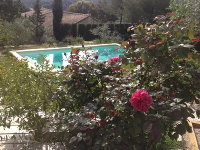 Photo for Relaxation and breathtaking views in the heart of Provence / 20mn AVIGNON / Villa 8 p