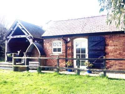 Photo for Barton Bank Cottage-Romantic Country Cottage for 2-pet friendly