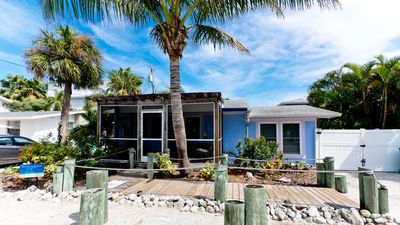 Beach Cottage 3 Homes from the Gulf! Completely Remodeled!