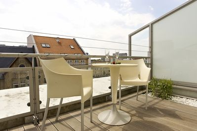 "Private big terrace with view on the historic ground of the Checkpoint ""Charlie"""