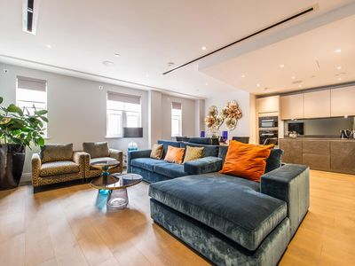 Photo for Spectacular Spacious 3 bedroom apartment near Covent Garden