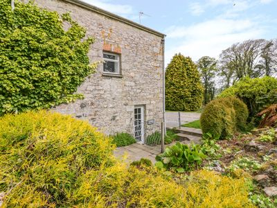 Photo for THE GRANARY, pet friendly in St Columb Major, Ref 1006575