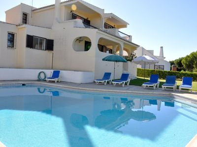 Photo for Bright villa with private pool and views of the Pinhal golf course