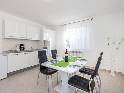 Photo for Apartment 806 m from the center of Pula with Internet, Air conditioning, Terrace (350907)