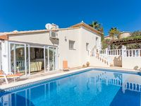 Beautiful appointed villa, almost perfect ....
