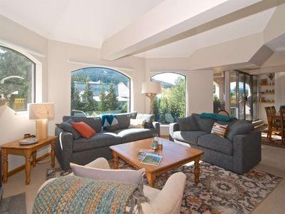 PENTHOUSE SUITE with LOFT. Mountain Side Property with SKI IN/SKI OUT Convienence