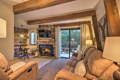 Cozy & convenient, this Banner Elk condo will have you on the slopes in no time!