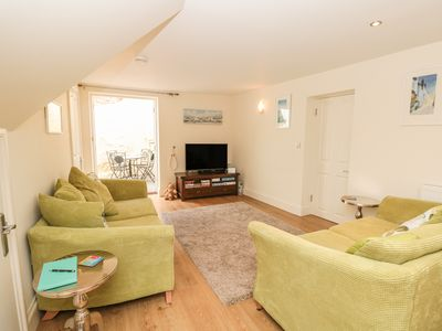 Photo for APRIL COTTAGE, pet friendly in Dartmouth, Ref 1007931