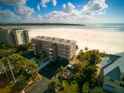 Photo for Expansive Private Beachfront, Spectacular Gulf View, Heated Pool, Free Wifi & Parking!