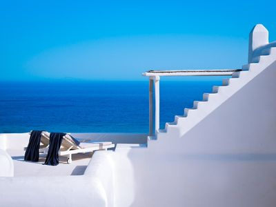 Photo for Deluxe Designer Villa with Private Pool and Spectacular Beach and Sea Views !