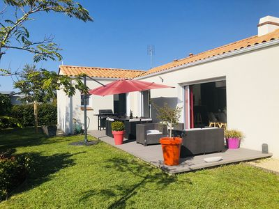 Photo for Charming modern house 800m from the beach in St Gilles Croix de Vie