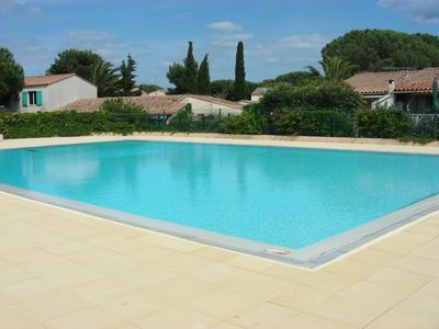 Photo for Villa with pool sleeps 6 in the heart of the pine forest 10 min beach and port