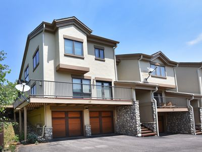 Photo for Beautiful mountain views, remodeled & modern, end unit, shared hot tub, shuttle