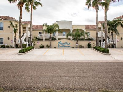 Photo for Charming condo w/shared pool & hot tub - Close to beach access!