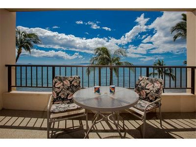 Photo for Pure Ocean front views from this 1bd condo at the Sugar Beach Resort #522