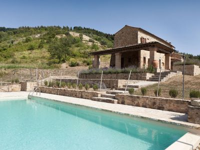Photo for Beautiful private villa for 4 guests with WIFI, private pool, A/C, panoramic view and parking