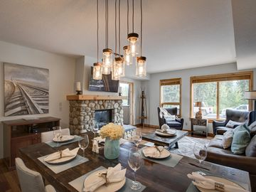 Rundle Cliffs Lodge, Canmore, AB, Canada