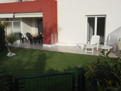 Photo for Renting 2 pieces garden level residence with swimming pool in 7mn of the beach