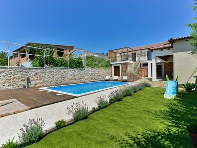 Photo for Stone 4* villa with pool for 12 guests, Zadar county