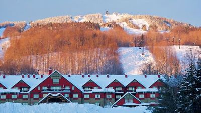 Photo for Large 2 bed/2bath/Sleeps 8 Condo at Mount Snow's only Ski In/Out Resort!
