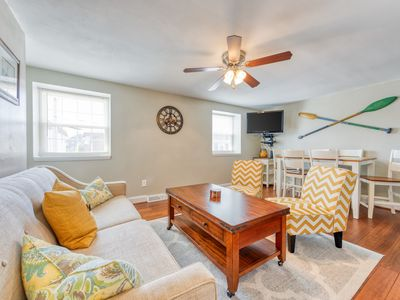 Photo for Updated family friendly beach condo w/shared pool - close to the Boardwalk!