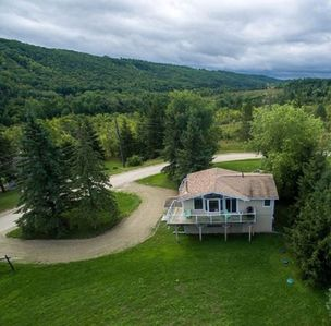 Photo for Beaver Valley Cozy Cottage, Hot Tub, sleeps 6.  30 minutes to Blue Mountain