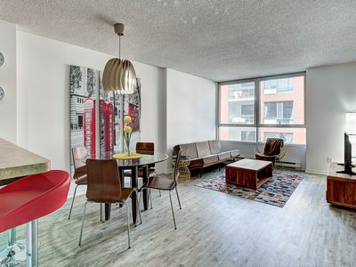 Photo for ★★★★★ Downtown Fresh Spacious Loft