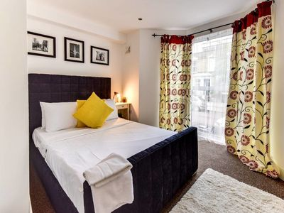 Photo for Charming 1 bed sleeps 4 in trendy Stoke Newington
