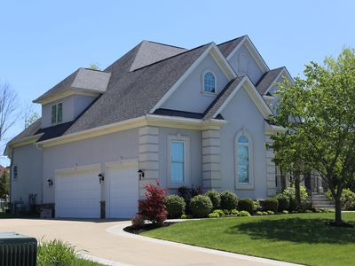 Photo for 6br/4ba Home In Crestwood Sleeps 12-14