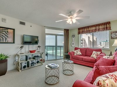 Photo for Fantastic Oceanview 2 bedroom Condo, Bluewater Keyes 808!
