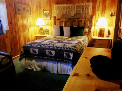 Photo for Into The Woods Cabin-MACKS INN AREA, HOT TUB! Sleeps 18. Sled right from cabin!