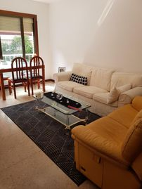 BEAUTIFUL INDIVIDUAL ROOM COMFORTABLE AND COZY IDEAL FOR 2 PEOPLE