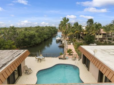 Photo for Conch Shell 5bedroom 3bath with large pool and 150ft of dockage