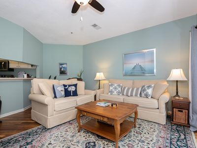 2 Bed/2.5 Bath located in a great area of Treetops