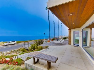SPECTACULAR OCEANFRONT ESTATE--Private Heated Pool and Jacuzzi, Sweeping View