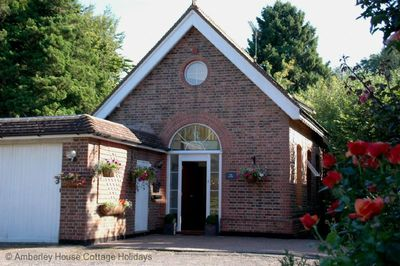 Pump House Lodge - Turners Hill, West Sussex