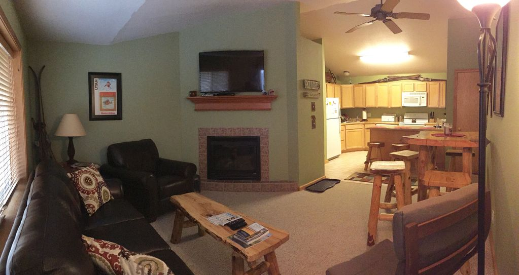 Remodeled 3 br wifi ski in pour 6 personnes cuisine for Cuisine entierement equipee