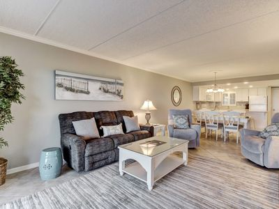 Photo for Beautiful Renovated oceanfront unit, ground floor.  Light and bright! Restaurant nearby.