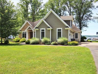 Photo for 6465 Galloway - Modern lakefront home in Dewittville, great for the whole family!