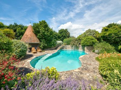 Photo for 6 bedroom accommodation in Shalfleet