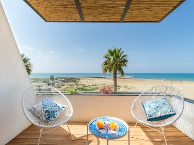 Photo for Medea, apartment with sea view just 20 m from the beach