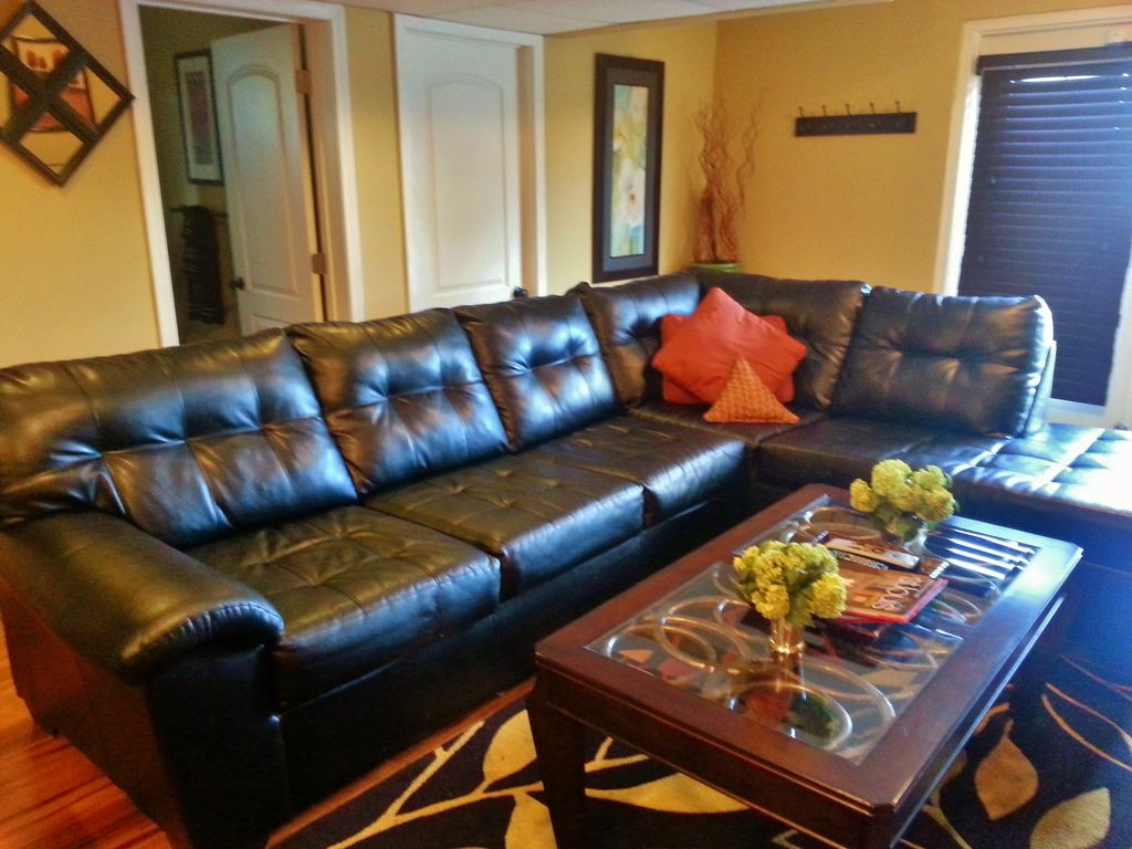 Beautiful Villa Close to All St. Louis Attractions!