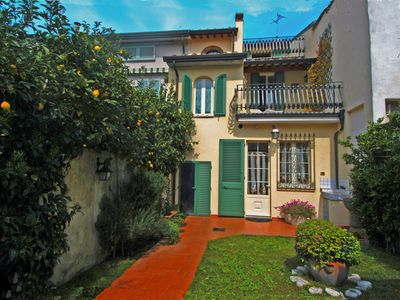 Photo for Charming terraced house with garden and garage in the heart of Viareggio, just 500 m. from the beach