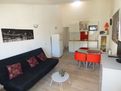 Photo for Renovated Pézenas-Appart, suite room, historic center