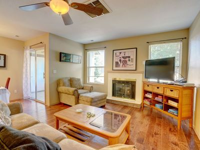 Photo for Clean and Comfortable Apartment Near Downtown (202)