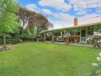 A charming property with lots of character. It is in a perfect location close to Albury City Centre.
